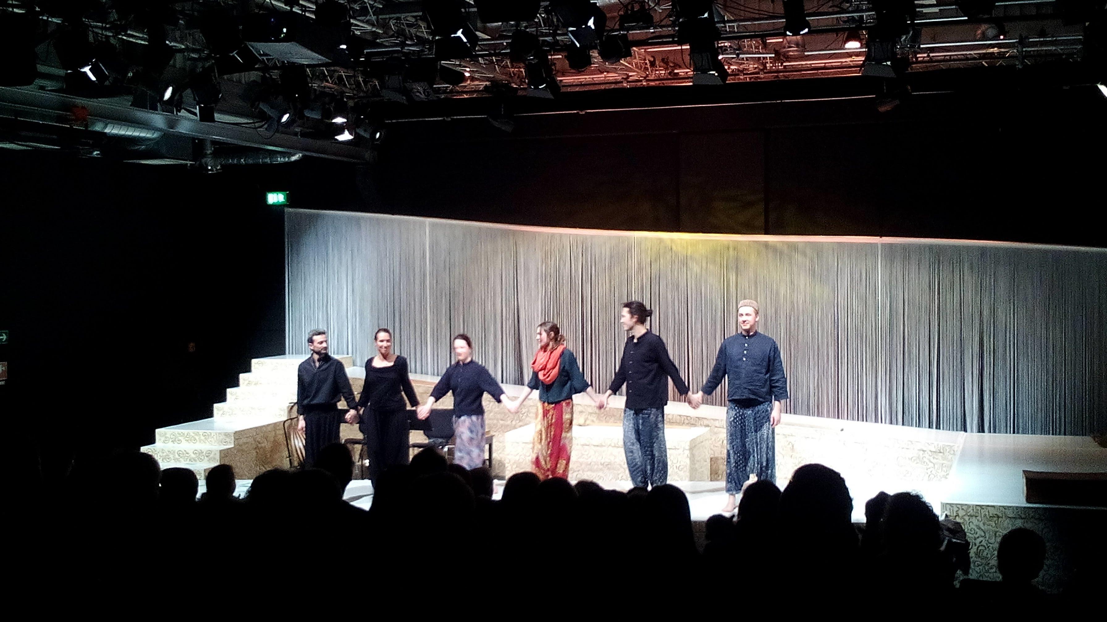 VIDEO | Gelungene Premiere im Lutz – Anja Schöne im Interview