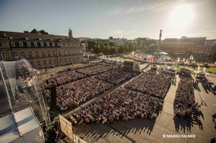 Begeistertes Publikum vor der Festivalbühne