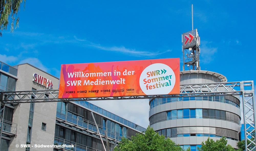 """SWR Sommerfestival 2019 – Das Programm Ein langes Wochenende mit """"Tatort""""-Premiere, Talk, Kultur, Comedy, Musik, Information"""