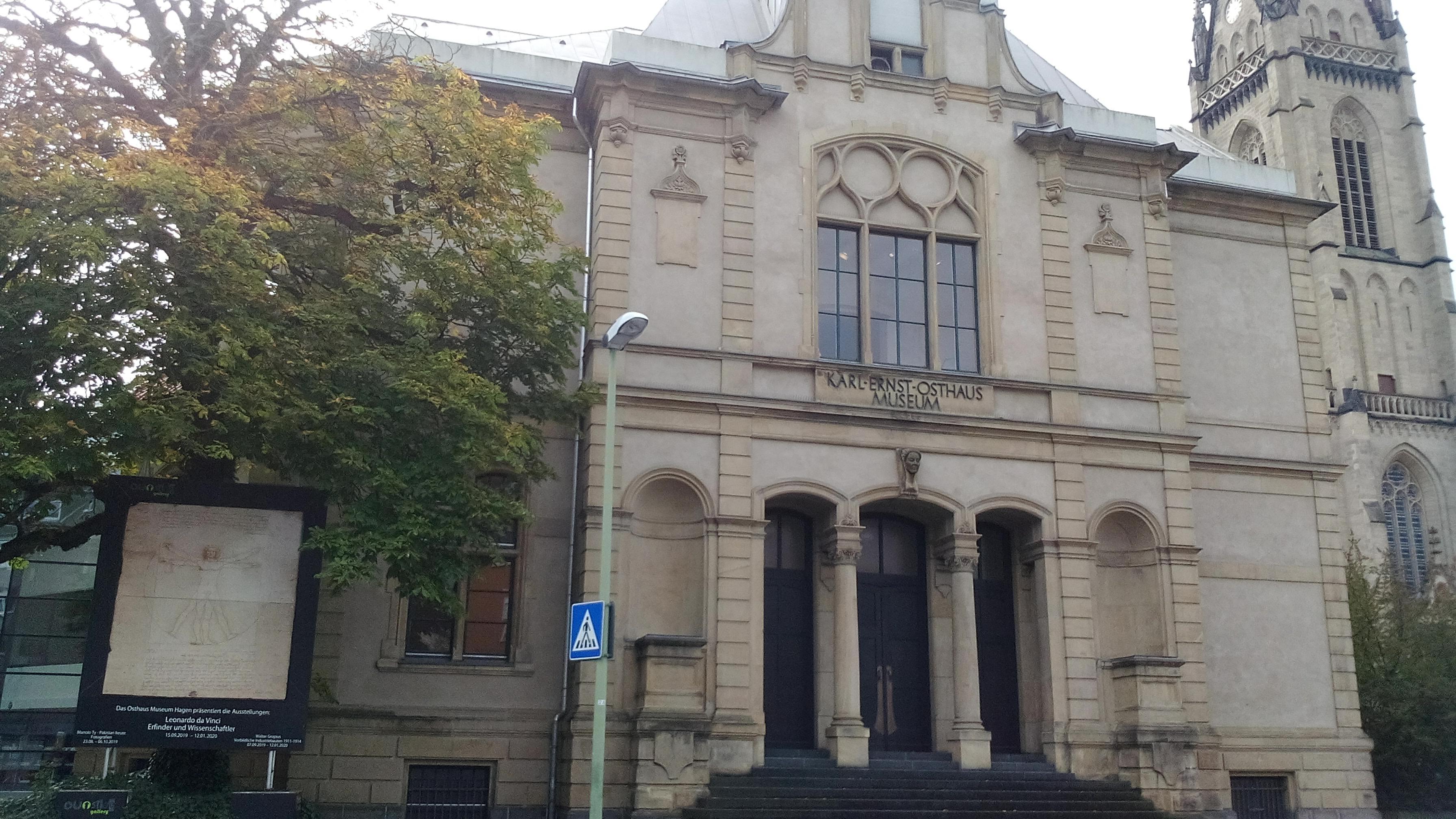 ÖFFENTLICHE FÜHRUNG IM OSTHAUS MUSEUM