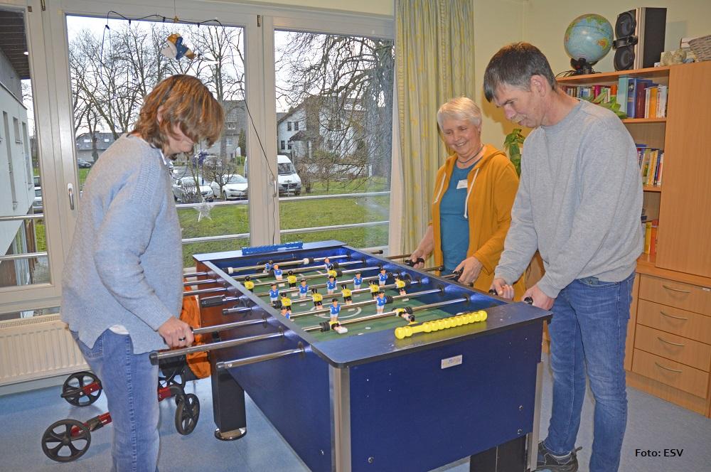 Freude über Fußball Tischkicker im Haus Berchum